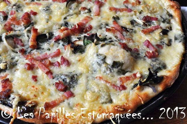 Pizza ail des ours lardons oignon creme LUI 01