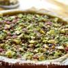 Tarte rhubarbe fraise crumble pistache menthe graines courge 02