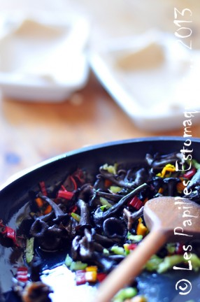 Oeuf sur nid de pain de mie et de bettes aux champignons 04