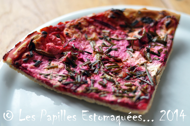 Pizza betterave oignon marjolaine ciboulette 01