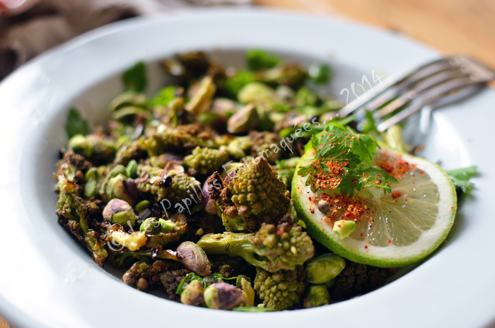 Salade roti chou romanesco pistache asiatique 01