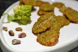 Tuiles de chou romanesco au parmesan et la pistache les papilles estomaqu es les papilles - Comment cuisiner le chou romanesco ...
