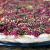 Pizza betterave brousse ciboulette 02